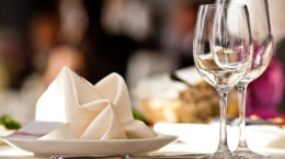 restaurant-table-720